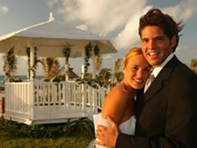1_destination_wedding_gazebo
