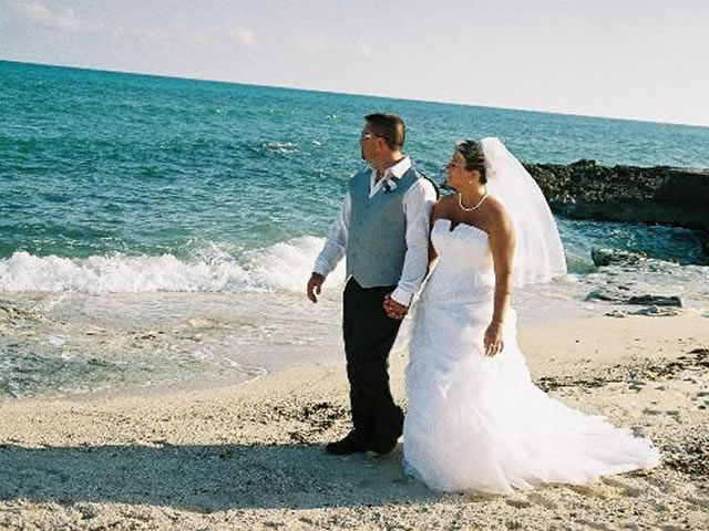 2_destination_wedding_beach