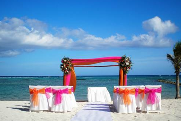 a_beach_weddings