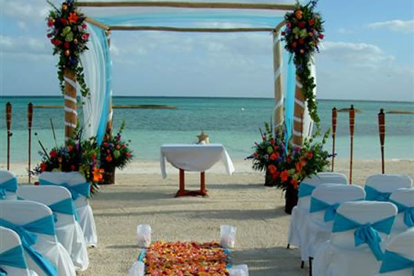 a_destination_wedding_rose_petals