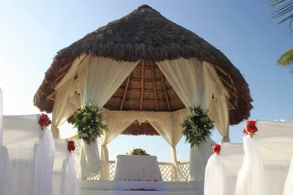 a_destination_wedding_tiki_gazebo