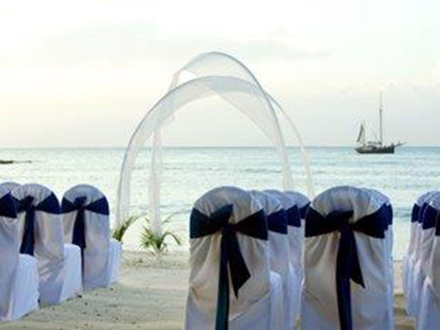b_imagine_tours_beach_ceremony_westin
