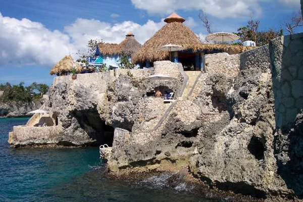 5_tour_jamaica_cave_dining_cliff