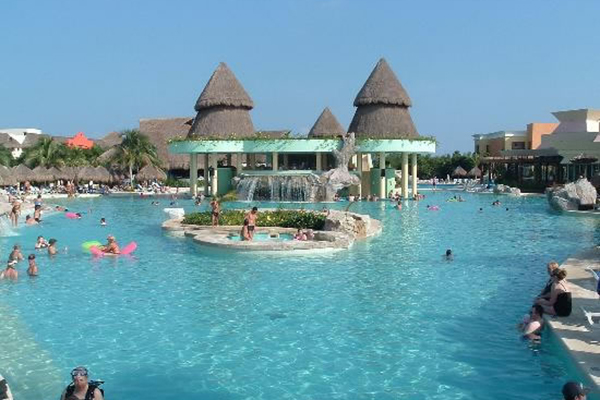 6_riviera_maya_lindo_resort_pool
