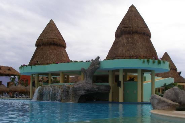 6_maya_destination_wedding_pool