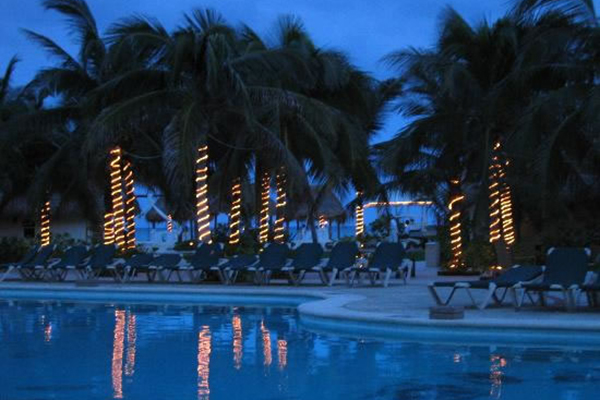 5_saint_lucia_destination_wedding_night_pool