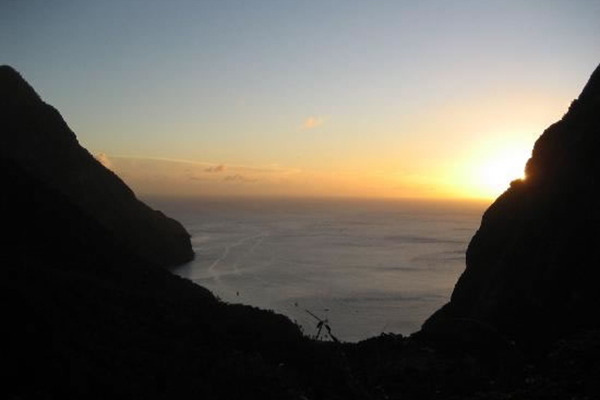 6_romantic_saint_lucia_vacations_piton_sunset